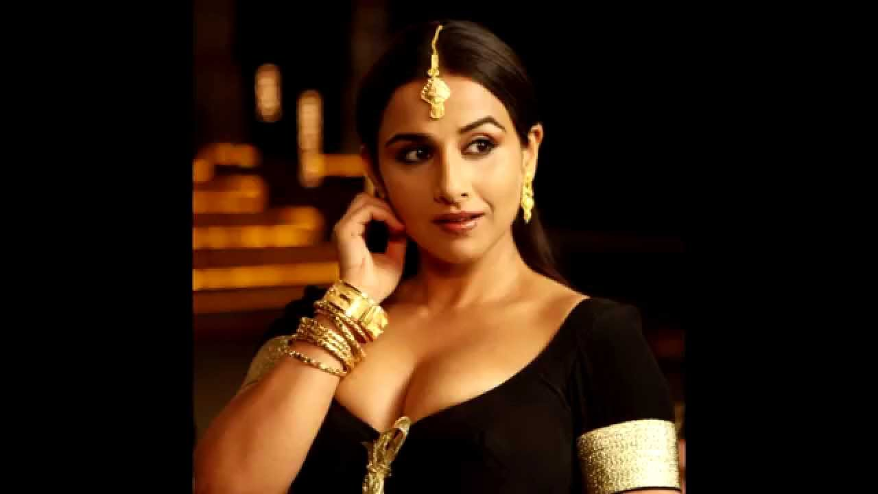 Vidya Balan Hot  Sexy Bollywood Actress - Youtube-5551