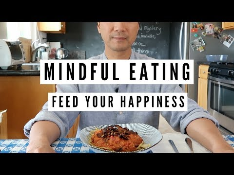 How to Mindfully Eat (And Enjoy Your Meals Even More!)