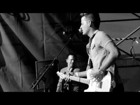 "Chase Bryant ""Take It On Back"" (Live)"