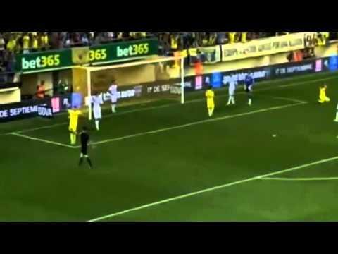 Diego Lopez fantastic save vs Villarreal 14 09 2013
