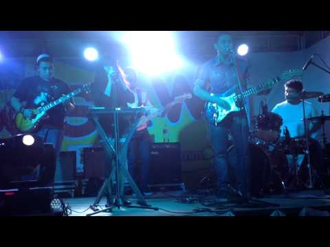 Snübear: Little Talks [M- Citi suites Sinulog 2014]