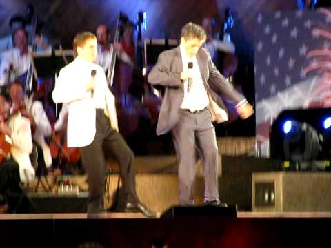 Craig Ferguson and Boston Pops' Keith Lockhart: Lords of the Dance!  4th of July, 2009