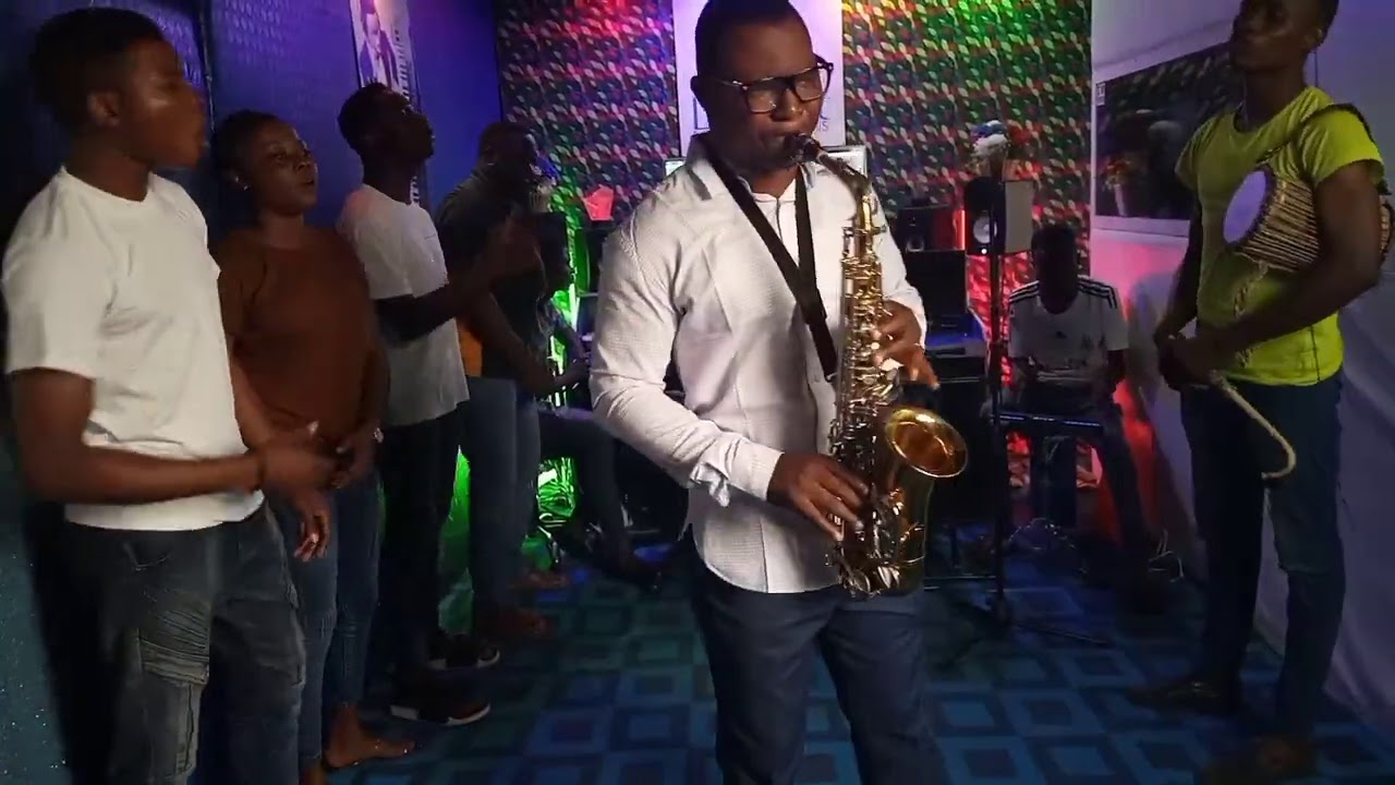 Download Praise song by Ay Sax