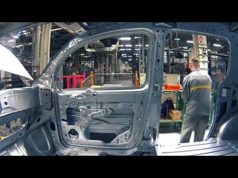 Nouveau Kangoo Z.E. produit à l'usine Renault de Maubeuge (France)