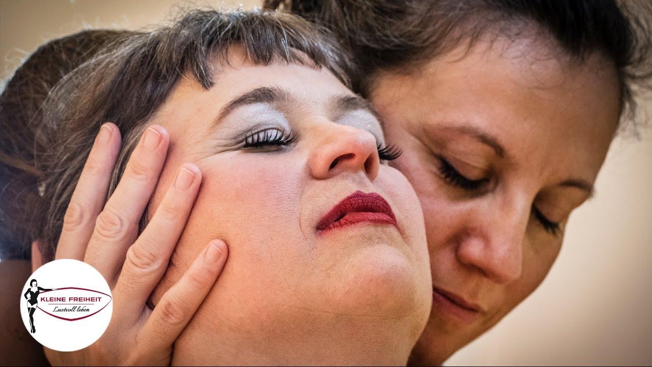 nackte bedienung thai tantra massage