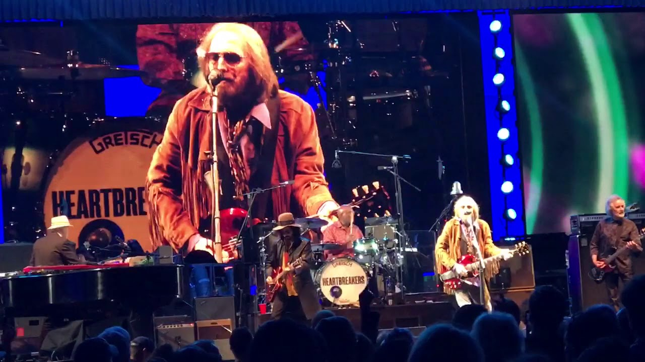 tom petty and the heartbreakers mary jane 39 s last dance hollywood bowl 9 22 2017 youtube. Black Bedroom Furniture Sets. Home Design Ideas