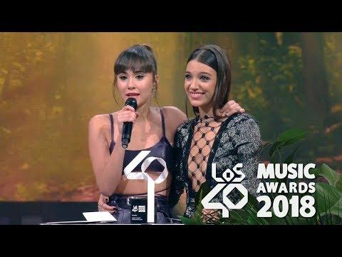 Aitana y Ana Guerra Premio Artista Revelación Los40  Awards