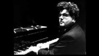 "John Ogdon plays Beethoven Sonata no. 29 in B flat Op. 106 ""Hammerklavier"""