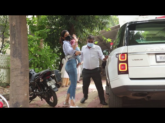 Shilpa Shetty Along With Her Daughter Samisha Spotted At Juhu Post office