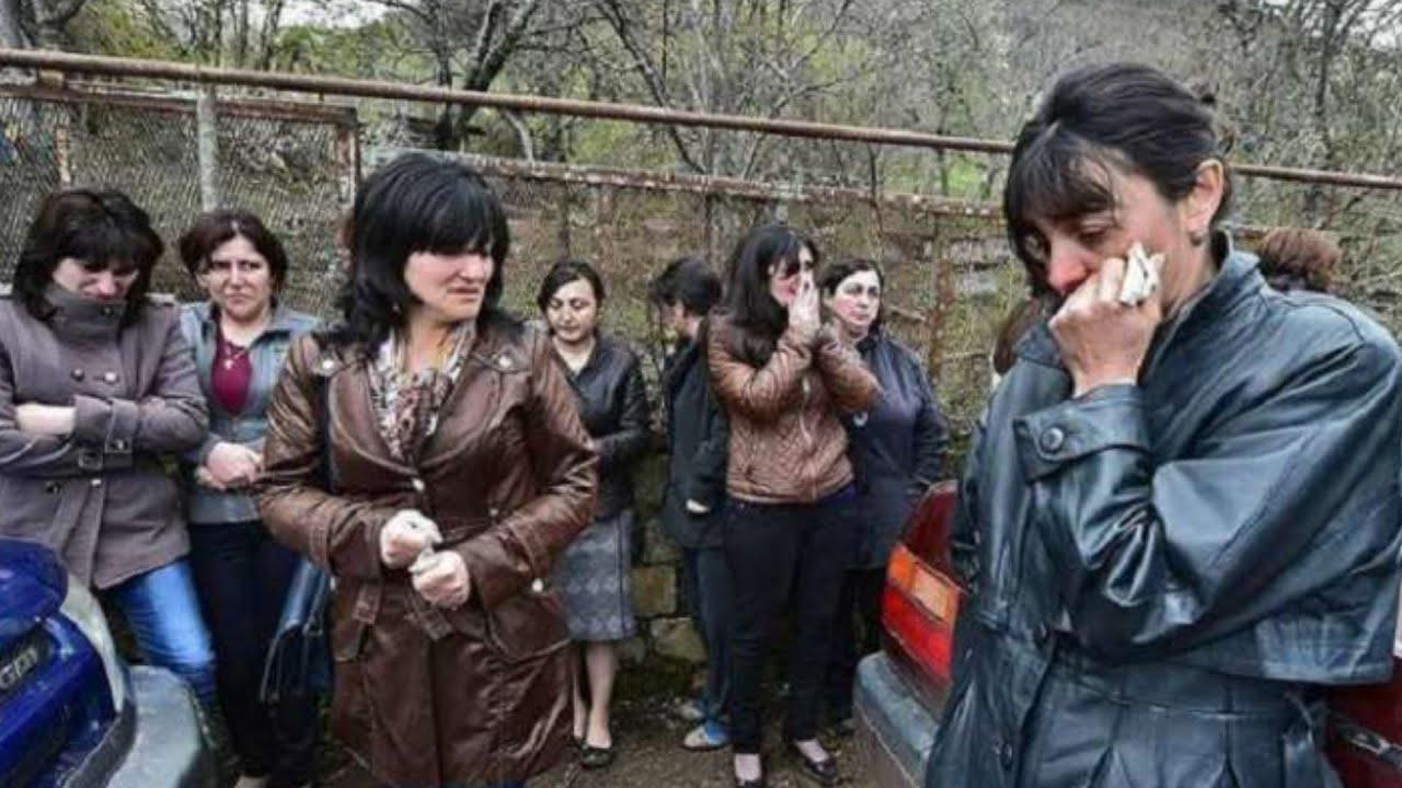 Ermənistanda KİŞİ QALMADI! - Qadınları YALVARIR