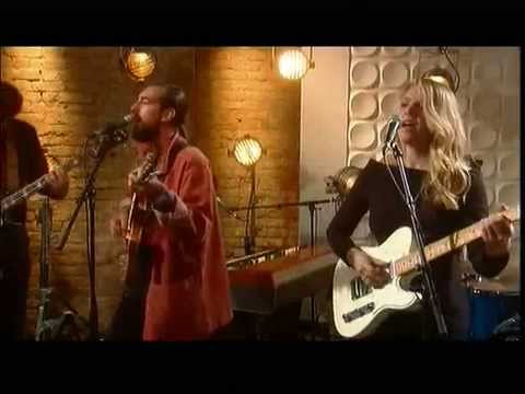 Slow Club - The Pieces (ITV Weekend Peformance)