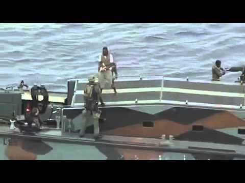 Hr. Ms. Johan de Witt ontwapent 11 piraten
