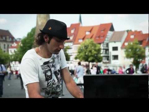 Klavierkunst - Davide Martello Live auf dem Domplatz in Erfurt High Quality