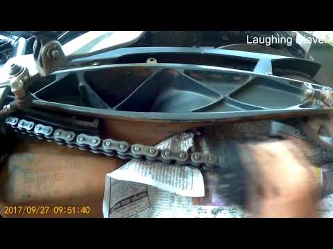DIY bike chain cleaning and lubing for KTM Duke 200