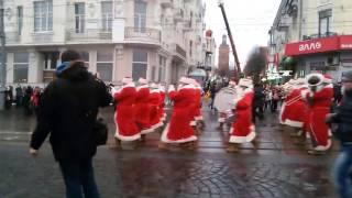День святого Николая в Виннице, 2016(День святого Николая в городе Винница, 19 декабря 2016 года. Парад в честь святого Николая, проезжающего по..., 2016-12-19T20:39:11.000Z)