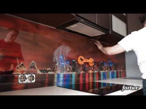 Монтаж кухонного фартука из стекла