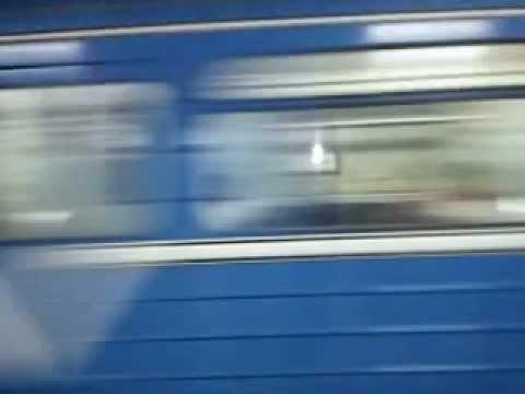 YERITASARDAKAN YEREVAN METRO TRAIN ARRIVAL