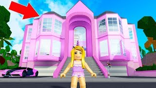 I Bought A HUGE Mansion In Robloxian Highschool! (Roblox)
