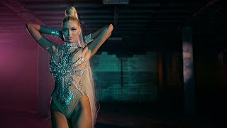 SANDRA OBRADOVIC FEAT IAN WOLF - MILION (OFFICIAL VIDEO)