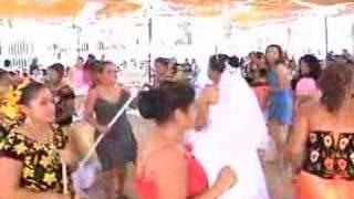 """boda de rosa nidia y eliezer """"baile de la escoba"""""""