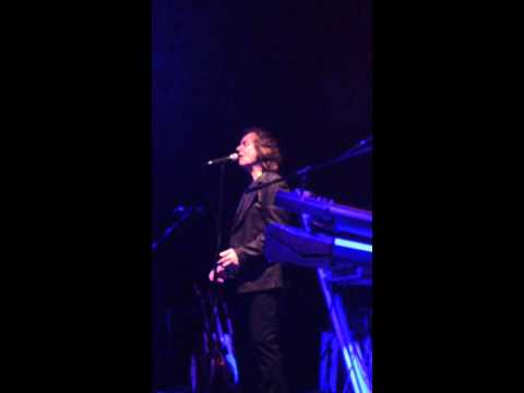 "Colin Blunstone ""Beginning/Keep the curtains closed today"""