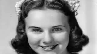 DEANNA DURBIN SINGS - THE   BLUE DANUBE WALTZ  1937 BROADCAST Resimi
