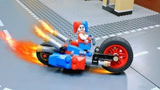 Lego Harley Quinn Builder: Gotham City Cycle Chase Building thumbnail
