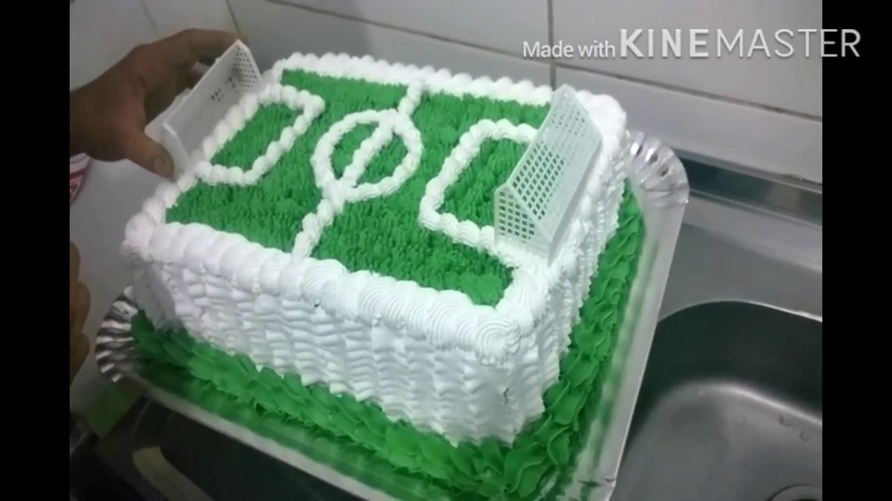 Decoração de bolo com chantilly(campo de futebol) - YouTube 256b1571a6871