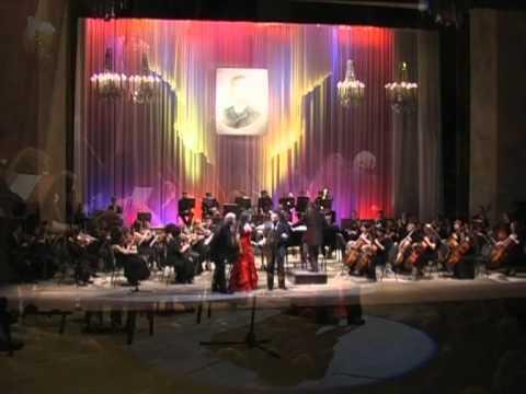 """""""Zibaldone operistico"""" : Largo al factotum, Canzoni classiche, Cortigiani vil razza..."""