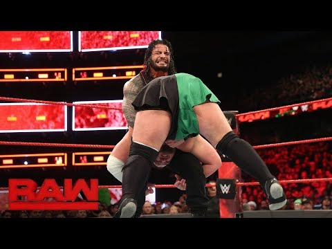 Roman Reigns vs. Samoa Joe - Intercontinental Championship Match: Raw, Dec. 25, 2017
