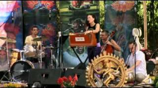 Bhakti Fest 2009 ~ Donna De Lory ~ Hey Ma Durga (Amazing NEW MAGICAL Version) REMIX
