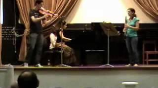 W.A. Mozart. Trio Kegelstatt, clarinete, viola y piano. Menuett (2)