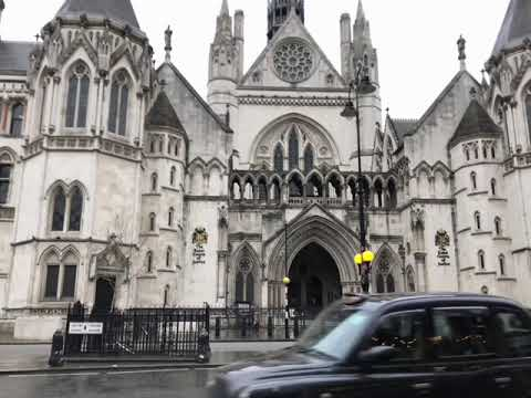 iPhone X: Royal Courts of Justice loop