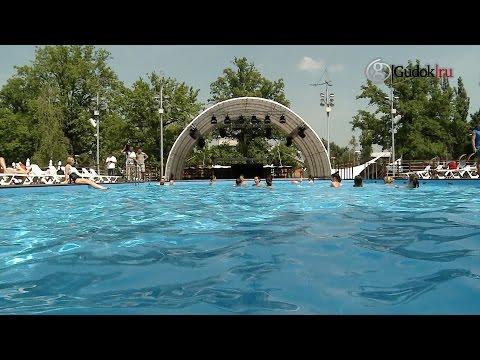 На ВДНХ заработал самый большой в Москве искусственный пляж
