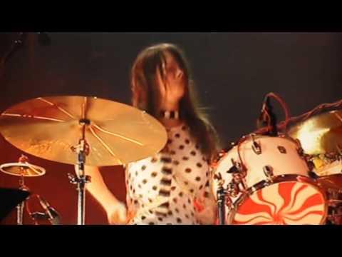 The White Stripes - The Denial Twist. Live O2 Wireless Festival 2007. 4/4