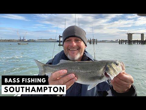 Small Boat Fishing - Bass - Lure Fishing - Southampton Warm Water Outlet