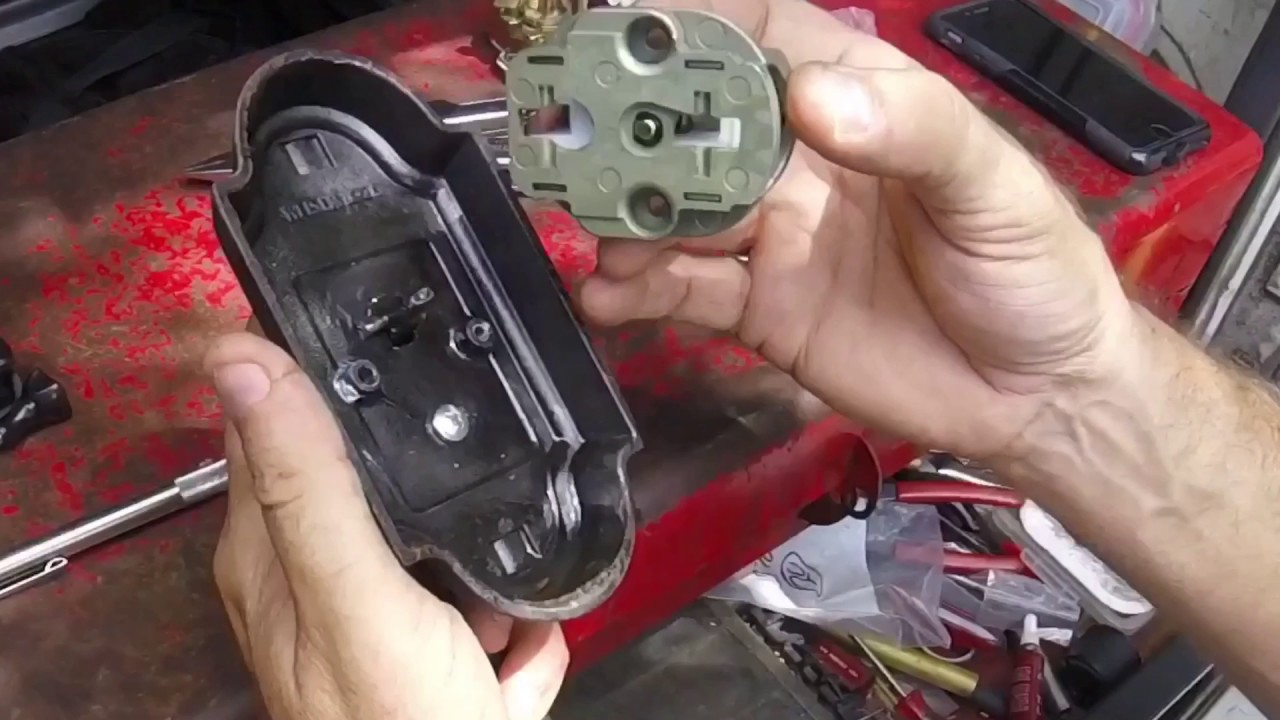 weiser handleset thumb thing won t retract latch can t open from outside  [ 1280 x 720 Pixel ]