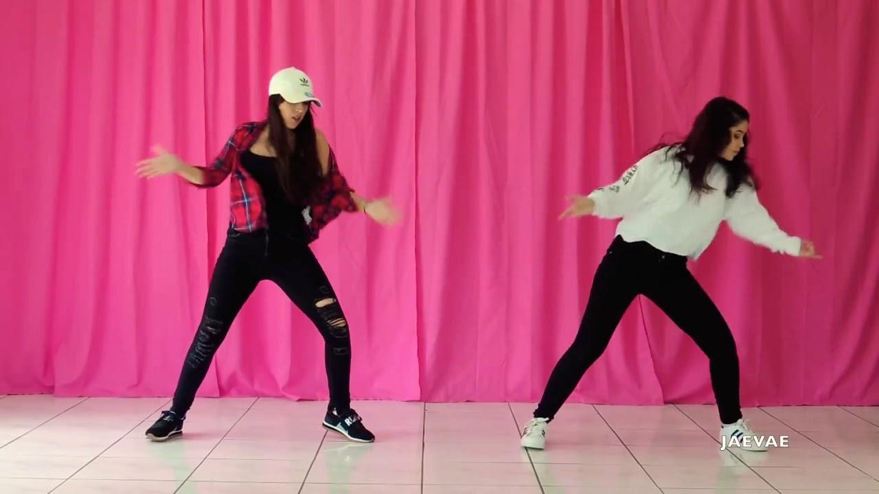 فتاتان يرقصن على أغنية فرقة ????BTS mic drop ????رقص نار لاتنسو اشتراك بقناة حتى يصلكم كل جديد ?????