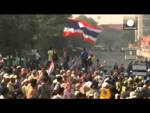 'Massive Monday' demonstrations continue despite Thailand's PM promising elections