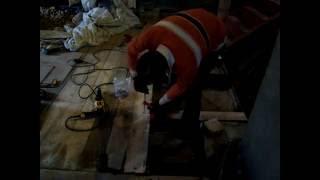 видео о том как стелить доски в гараже