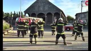 Танцът на тези свежи пожарникарите събра над 2 милиона прегледа в интернет!