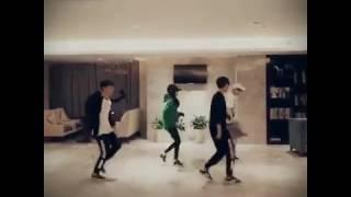 TFBOYS- Shuffle dance khoe chân dài