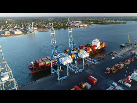 Aerial Drone Video of Cargo Ship MSC ARUSHI R Delaware River Philadelphia