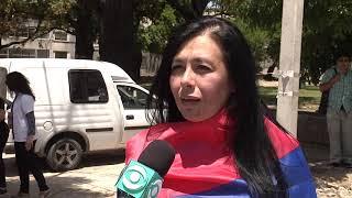 Funcionarios del Clínicas se concentraron para cantar y manifestar su apoyo a Martínez