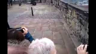 Эдинбургский замок. Выстрел из пушки(, 2013-11-16T17:00:31.000Z)