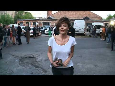 Agnieszka Włodarczyk śpiewa na ulicy!