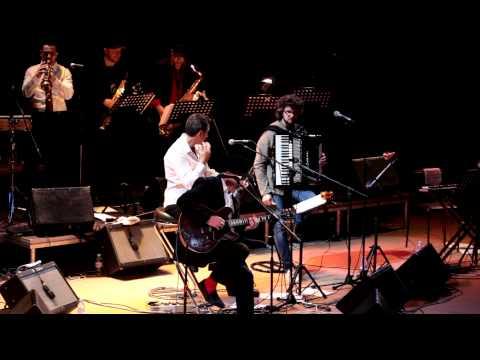 Песня Картонные крылья - Андрей Макаревич и Оркестр креольского танго скачать mp3 и слушать онлайн