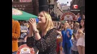 Караоке на майдане в Киеве - Песня на выбор - Караоке на майдані - Выпуск 803 - 18.05.2014