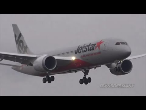 Very Wet Boeing 787 Dreamliner Shuttled to Paine Field From South Carolina Factory