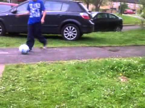 (mad skillz ) tutorial on footie skillz